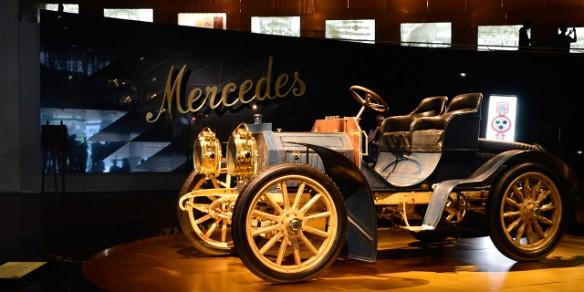 Mercedes Oldtimer in Museum